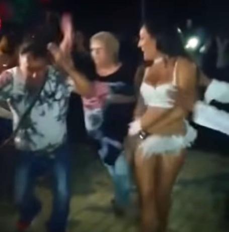 Pareja strippers baile cerca de Parla