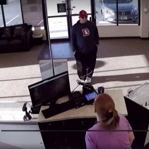 Ladrón pierde la pistola